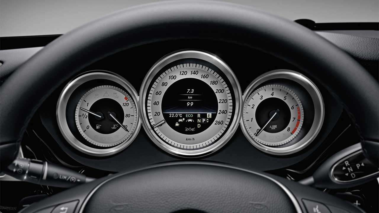 Щиток приборов Mercedes CLS C218
