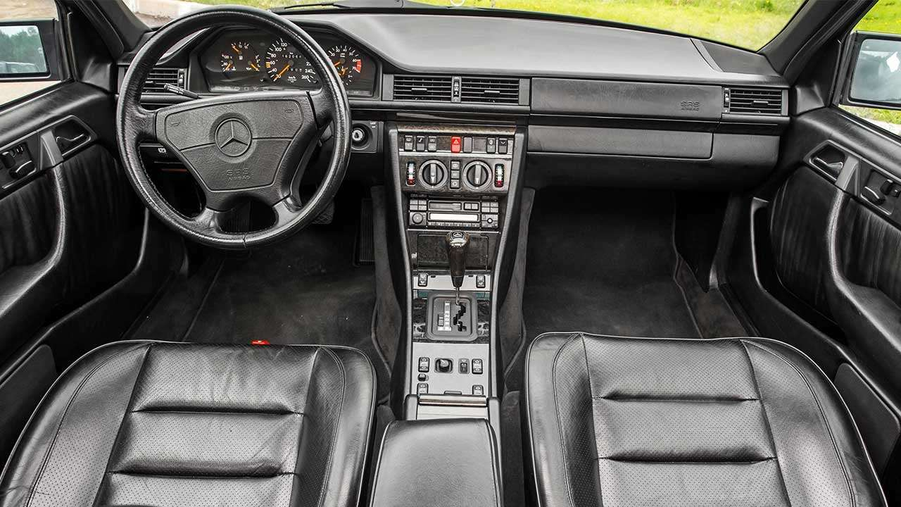 Фото салона Mercedes-Benz E-Class W124