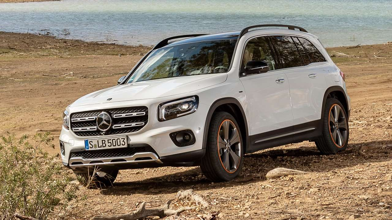 Белый Mercedes-Benz GLB 2019-2020