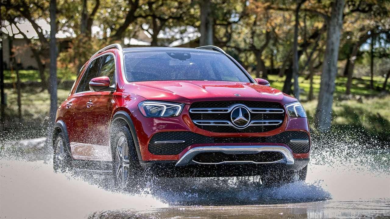 Фото красного Mercedes-Benz GLE 2020-2021