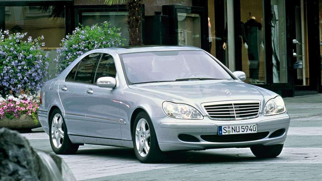 Передняя часть Mercedes S-Class W220