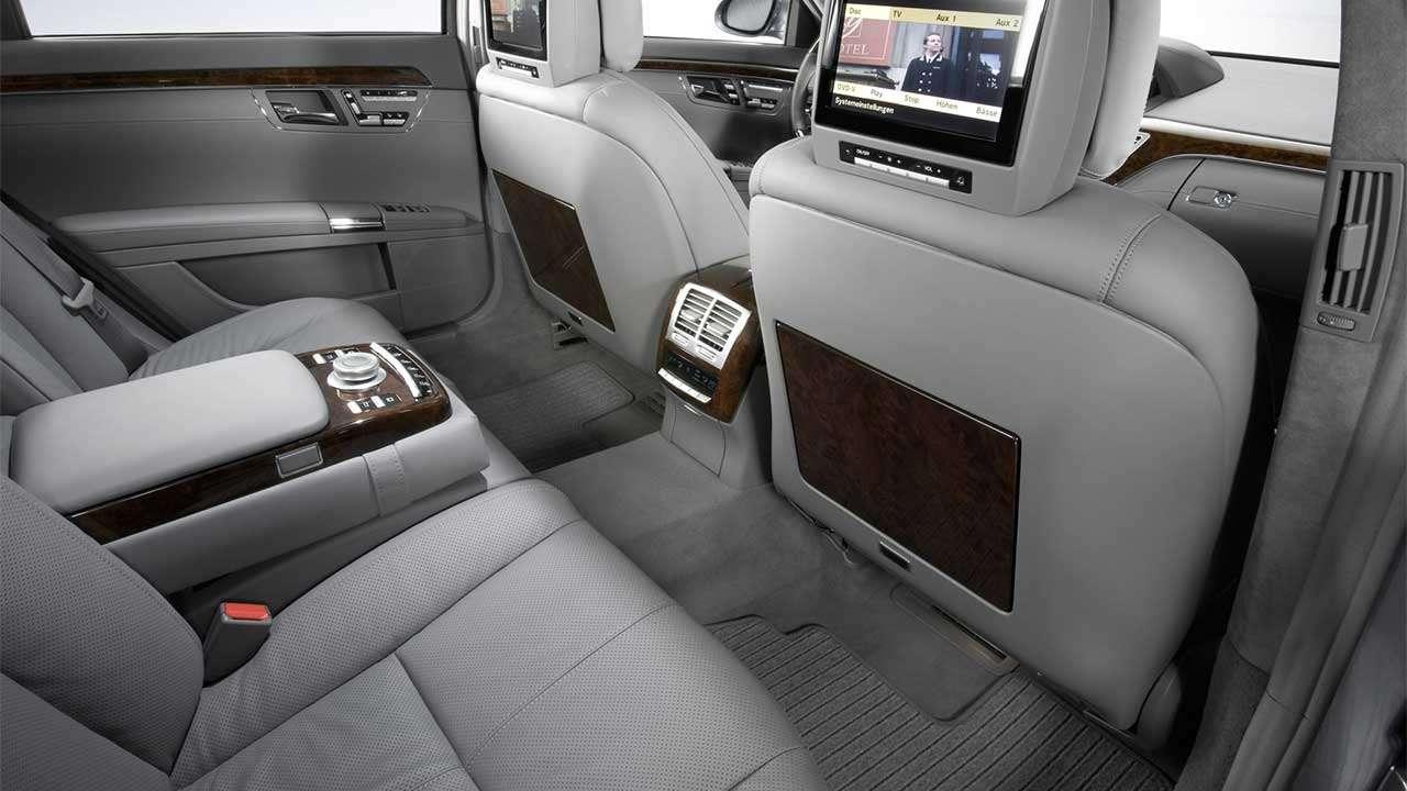 Задние сиденья Mercedes-Benz W221
