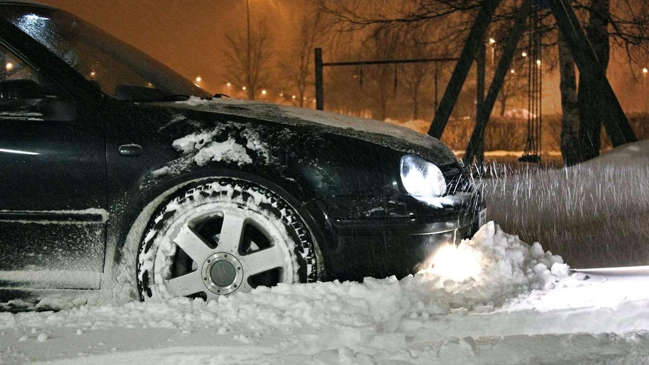 Volkswagen Golf в снегу