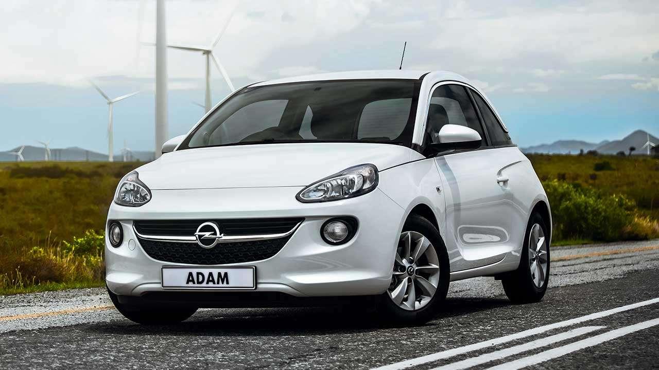 Фото белого Opel Adam