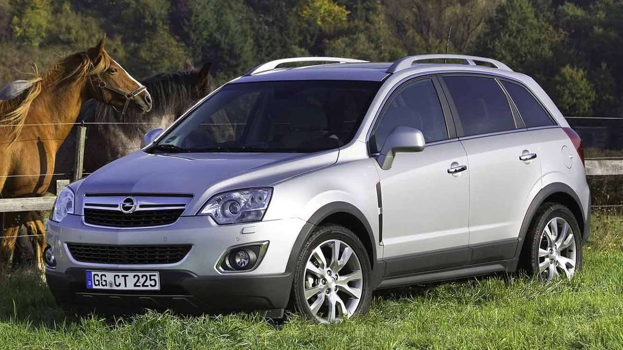 Opel Antara 2012 фото спереди