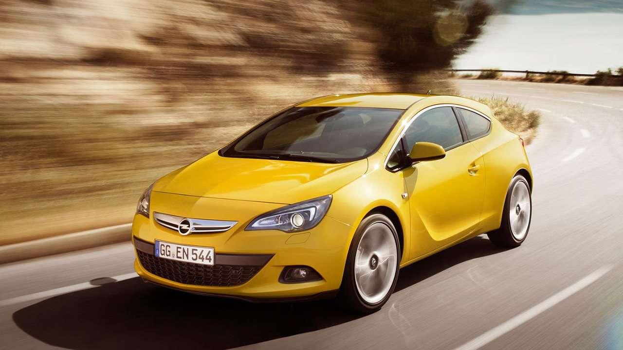 Opel Astra GTC J 2012 фото спереди