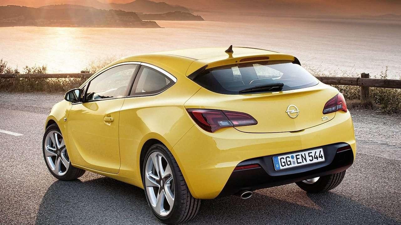 Opel Astra GTC J 2012 фото сзади