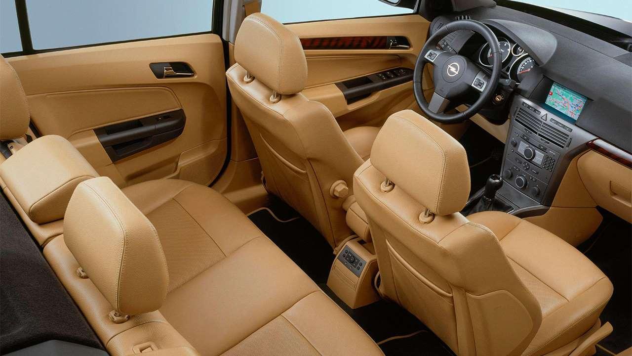 Все сиденья Opel Astra H