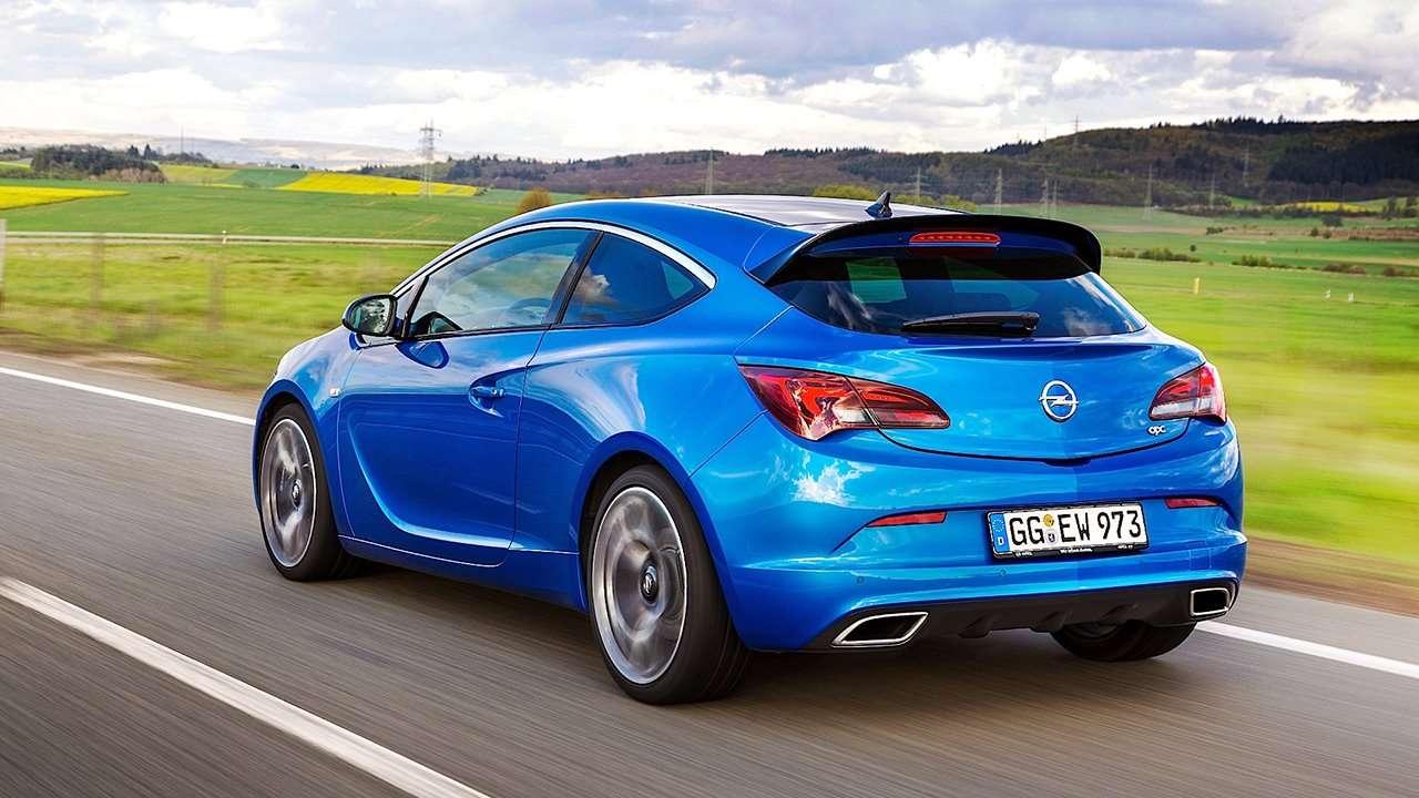 Opel Astra OPC J 2016 фото сзади