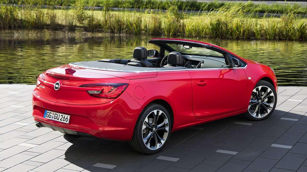 Opel Cascada фото сзади