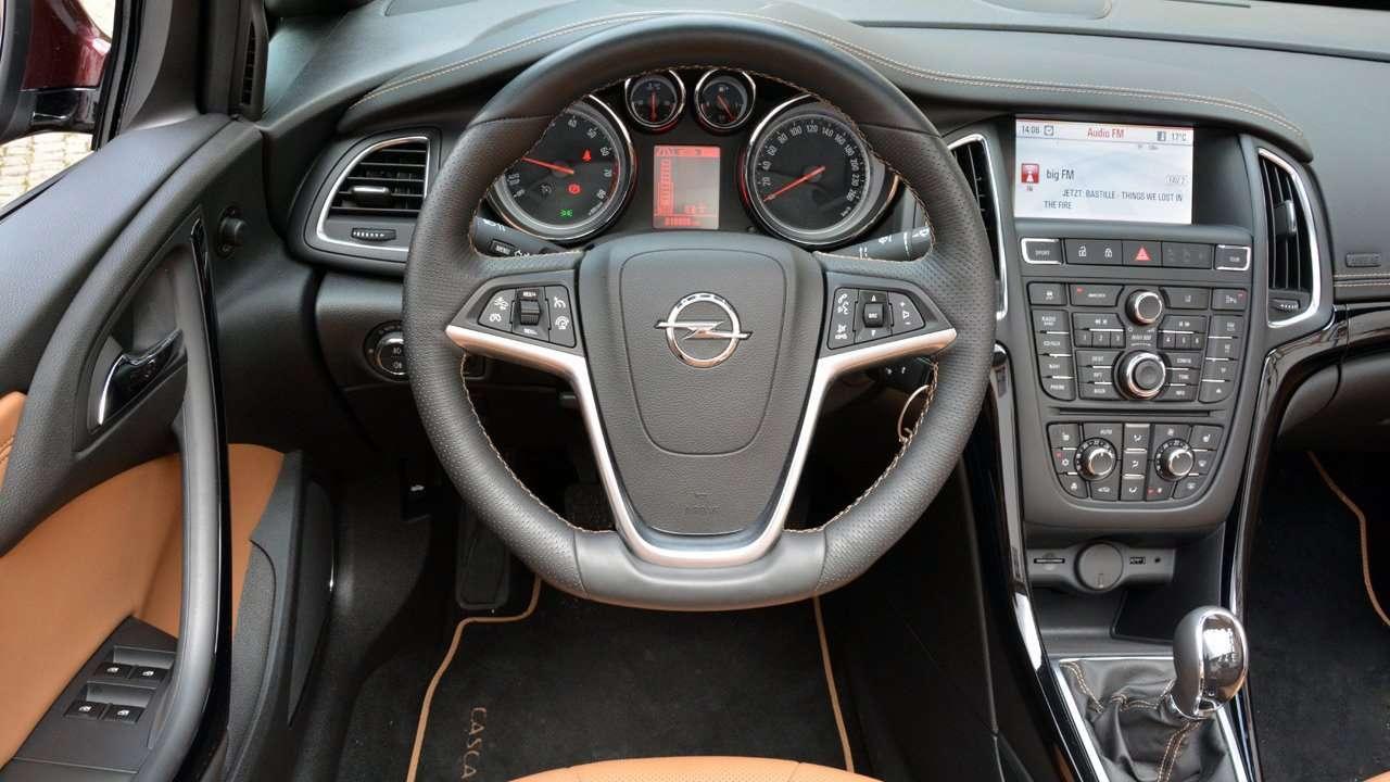 Салон Opel Cascada