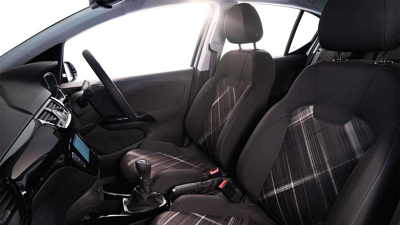 Передние сиденья Opel Corsa E