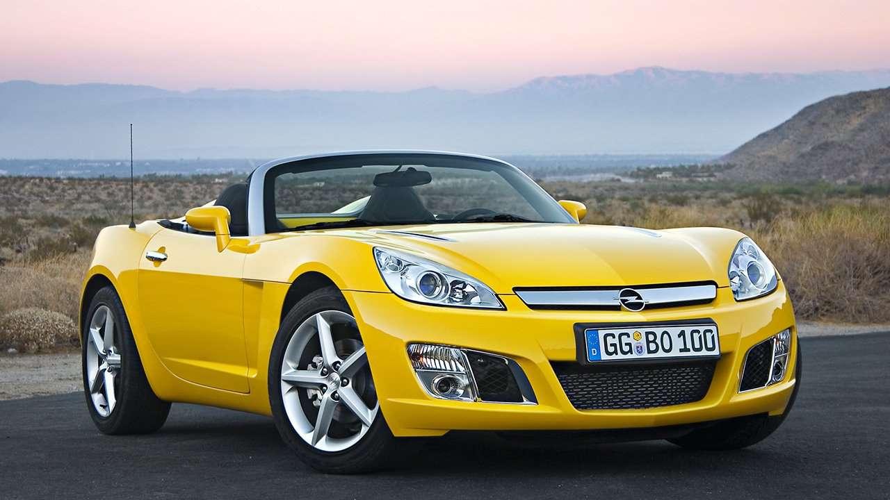 Opel GT фото спереди