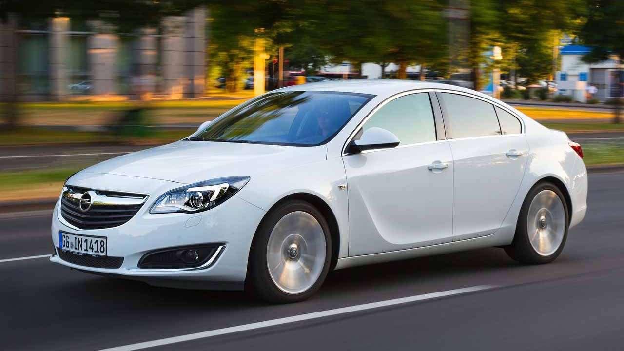 Opel Insignia A фото спереди