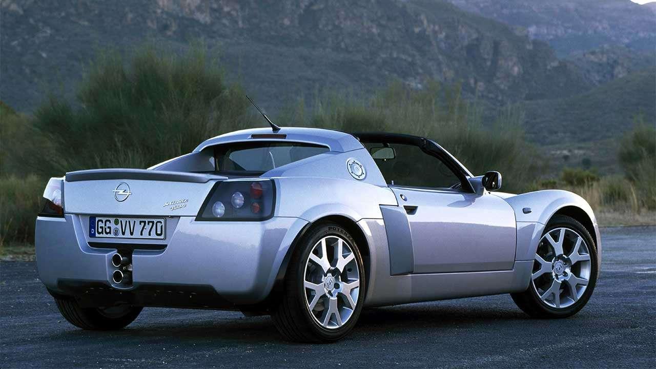 Opel Speedster фото сзади