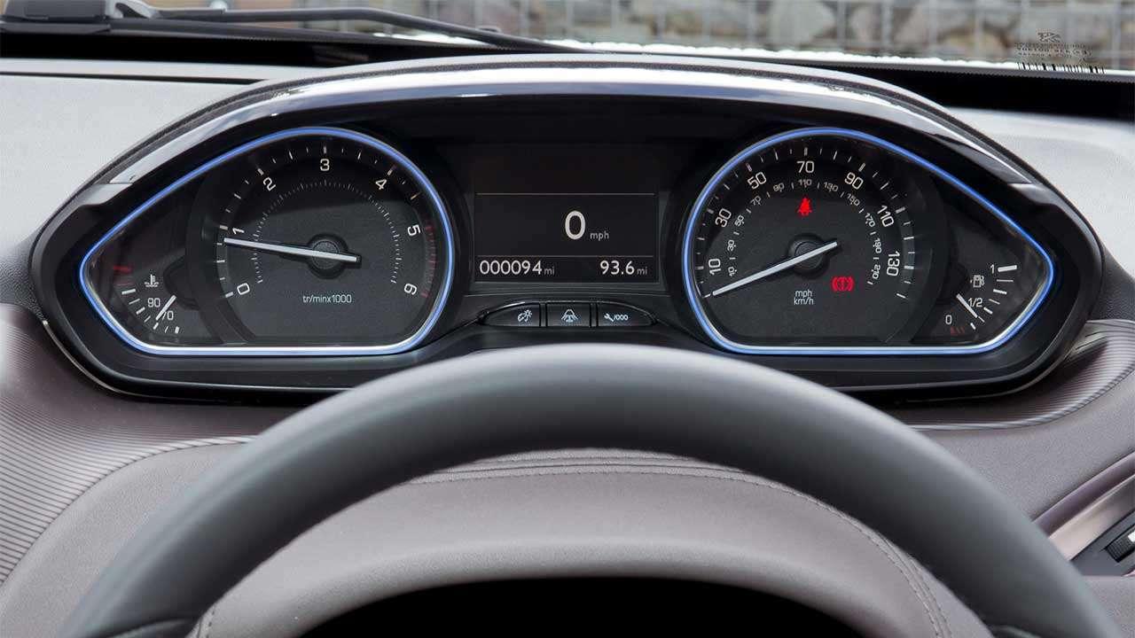 Peugeot 2008 2014-2019 приборная панель