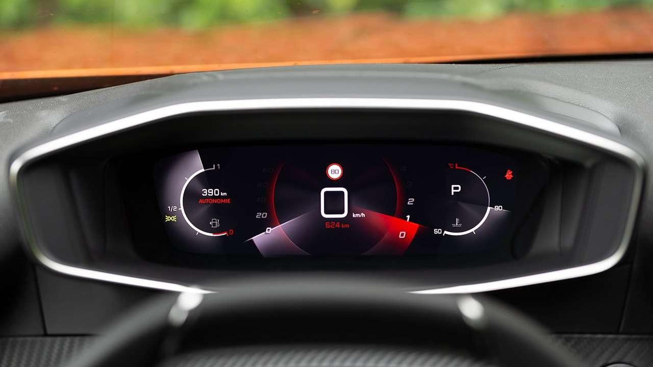 Панель приборов Peugeot 2008 2020-2021