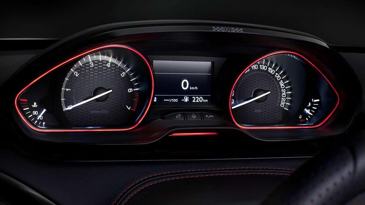 Приборная панель Peugeot 208 GTi
