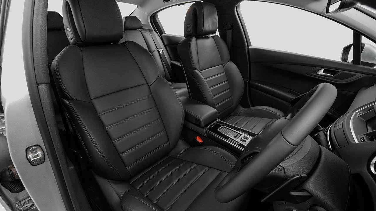 Передние сиденья Peugeot 508