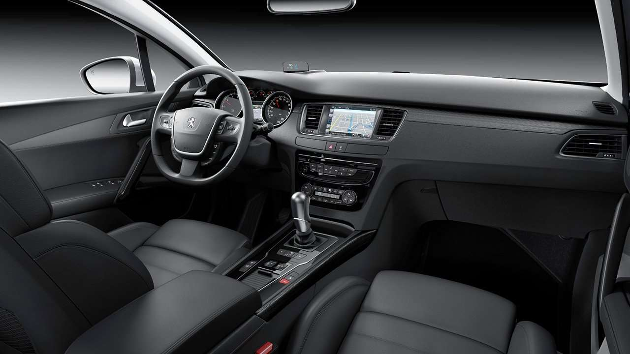 Peugeot 508 2011-2018 салон