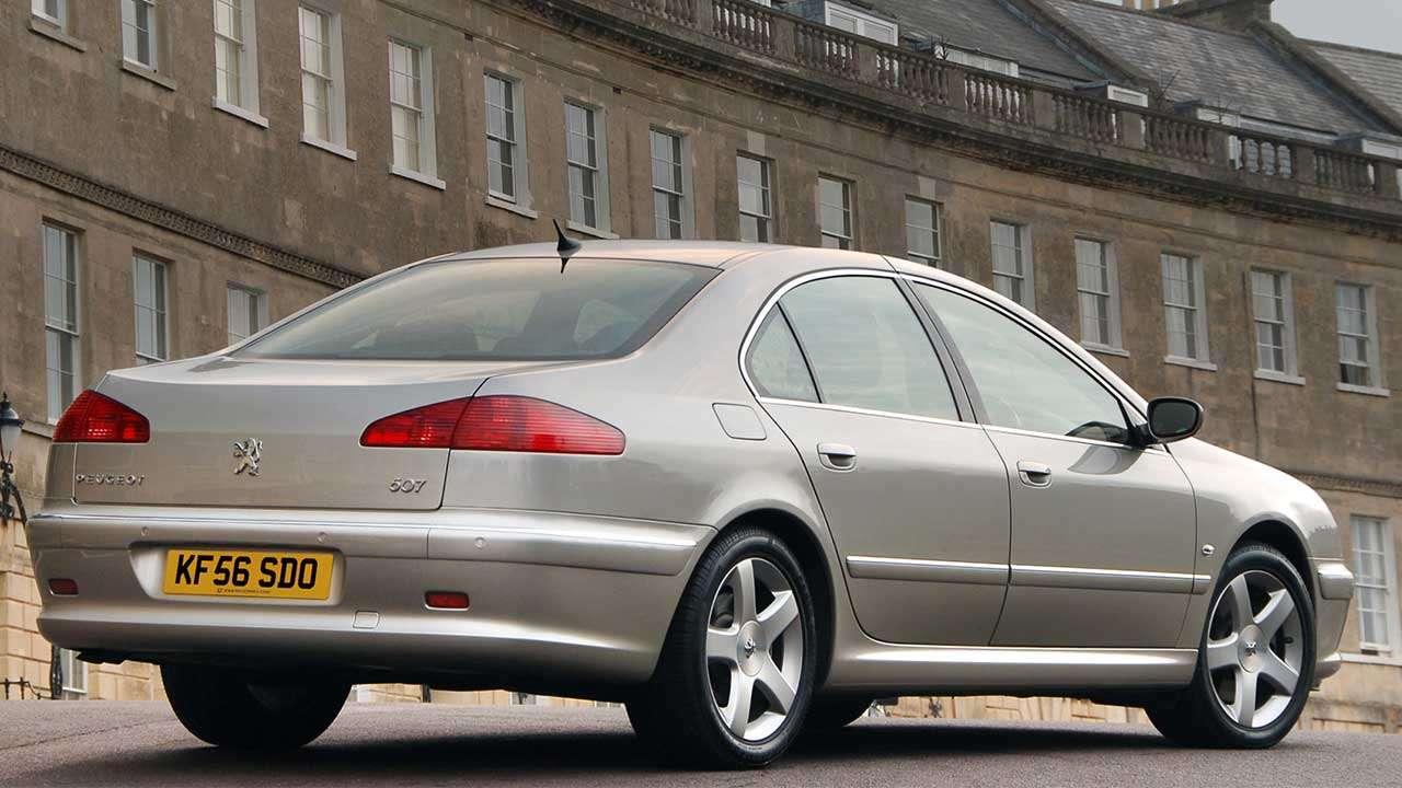 Peugeot 607 (2004-2010) фото сзади