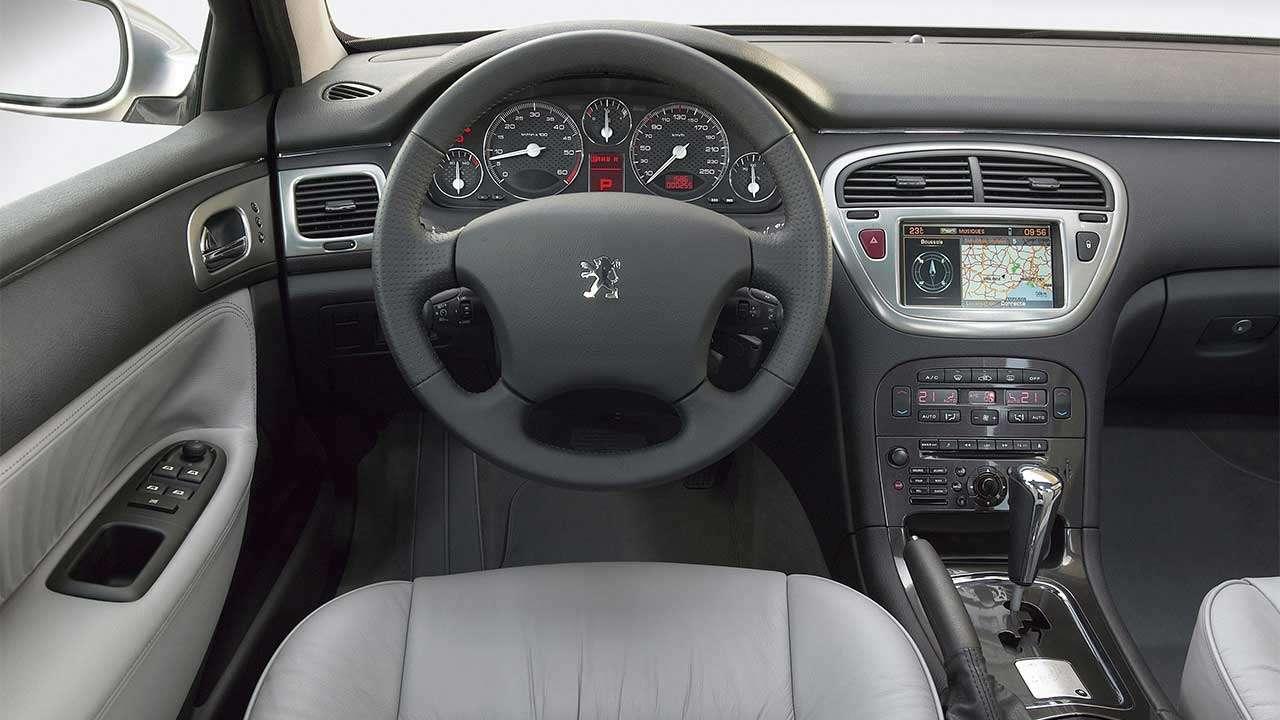 Peugeot 607 (2004-2010) салон