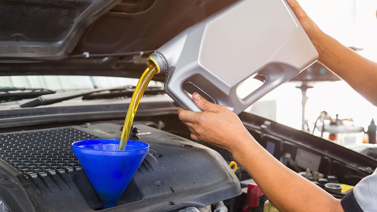 Замените моторное масло