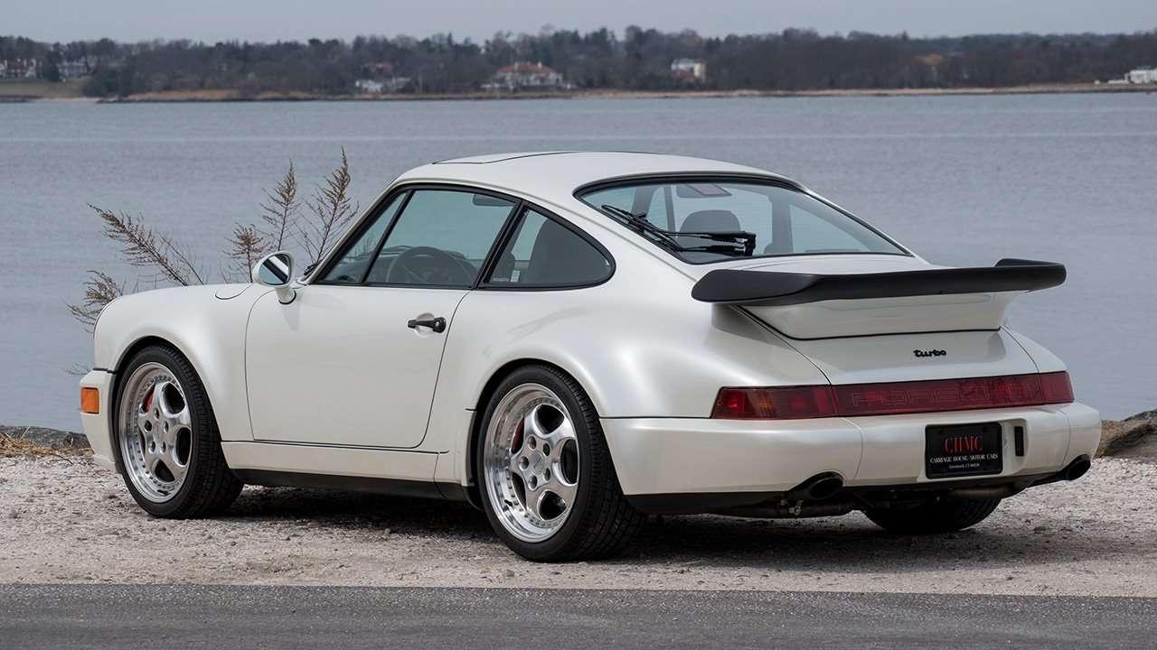 Задняя часть третьего Porsche 911