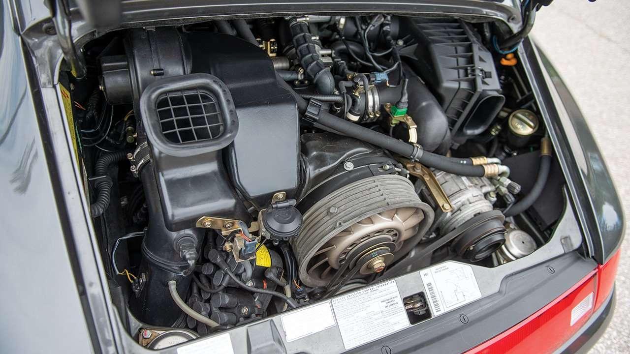 Фото двигателя Porsche 993