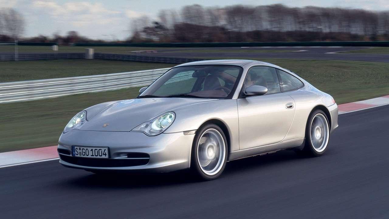Porsche 911 (996) фото спереди