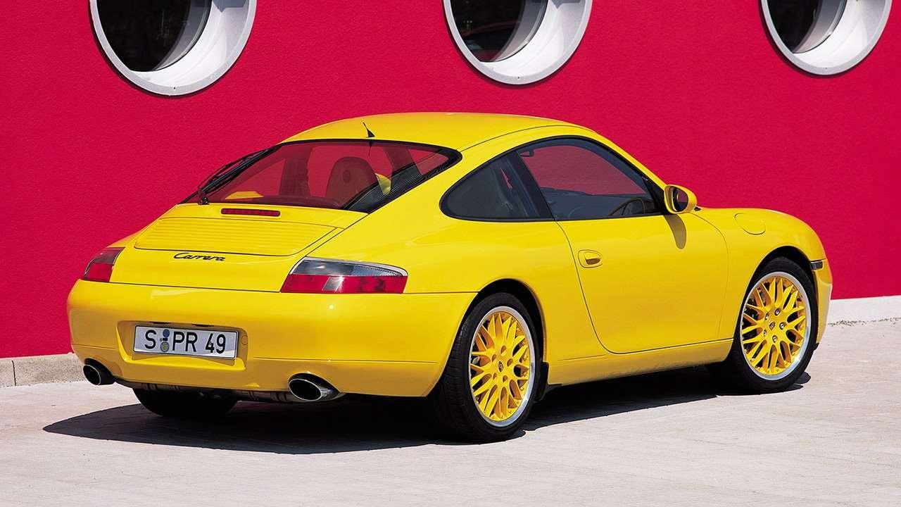 Фото Porsche 996 сзади