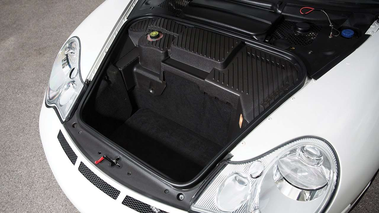 Фото багажника Porsche 996