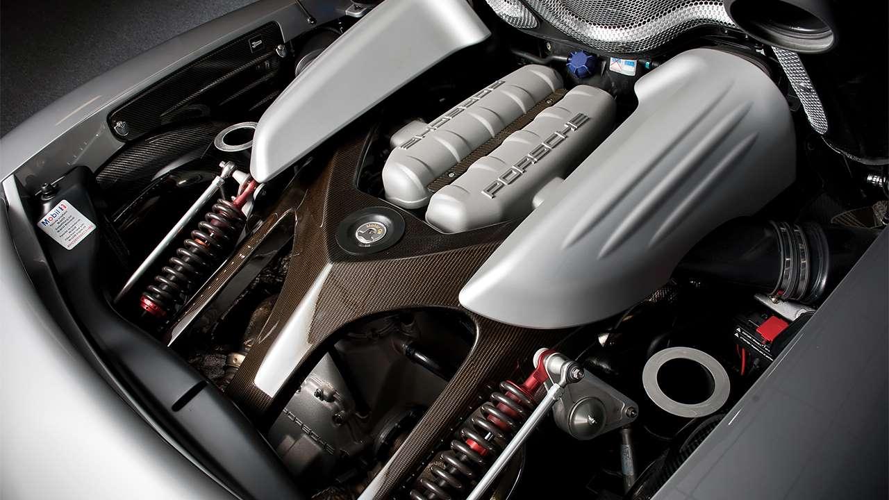 Фото двигателя Порше Каррера ГТ