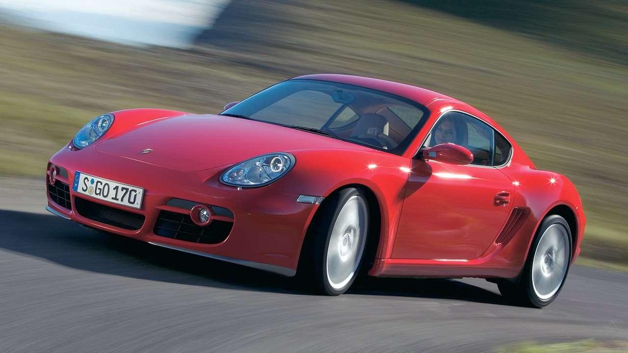 Красный Porsche Cayman
