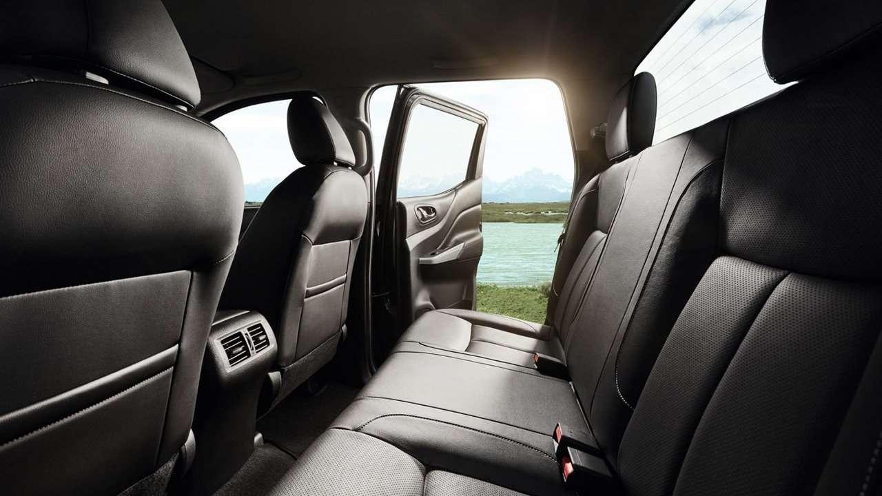 Renault Alaskan 2020-2021 фото задних сидений