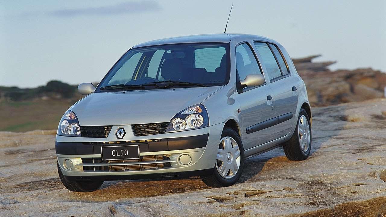 Передняя часть Renault Clio 2