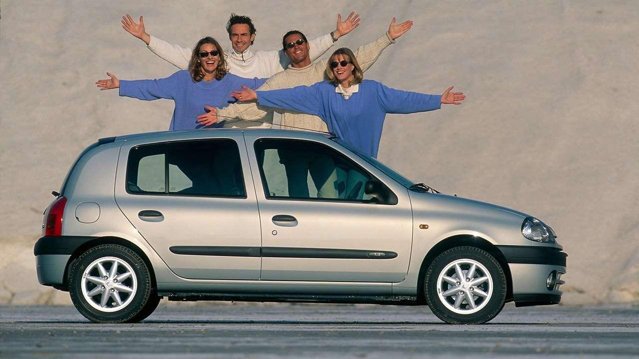 Боковая часть Renault Clio 2