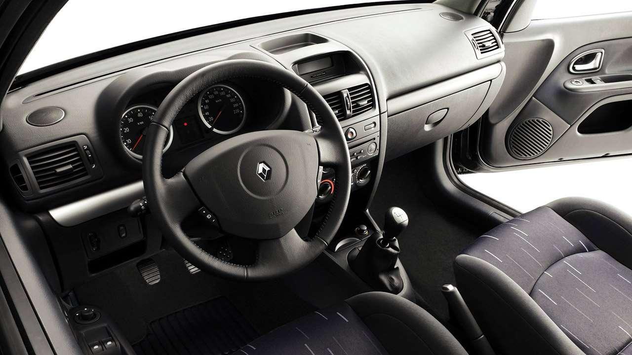 Салон второго Renault Clio