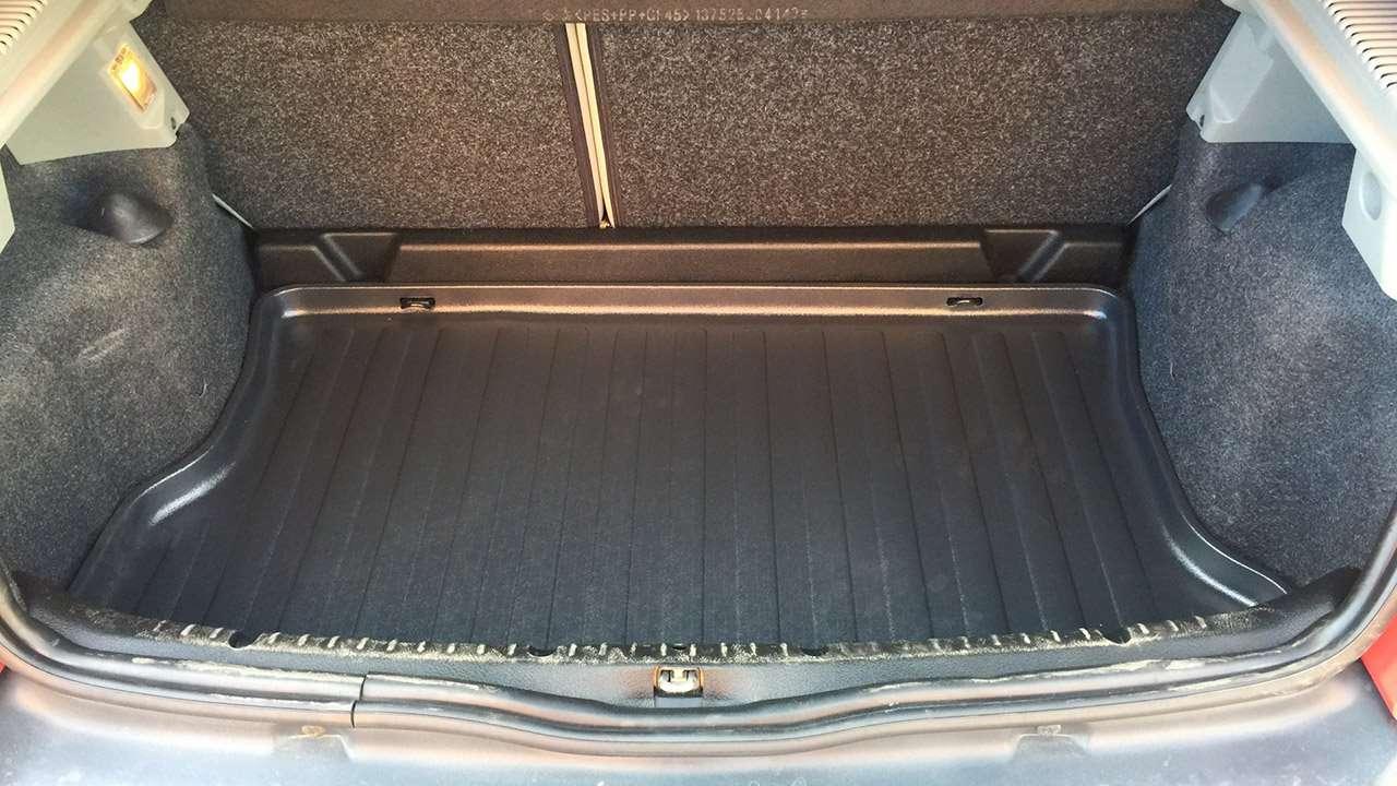 Фото багажника второго Рено Клио
