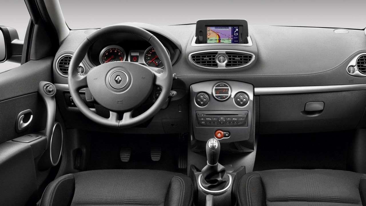 Салон третьего Renault Clio