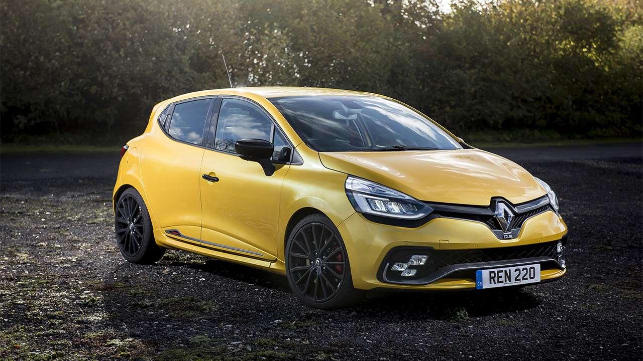 Передок желтого Renault Clio RS