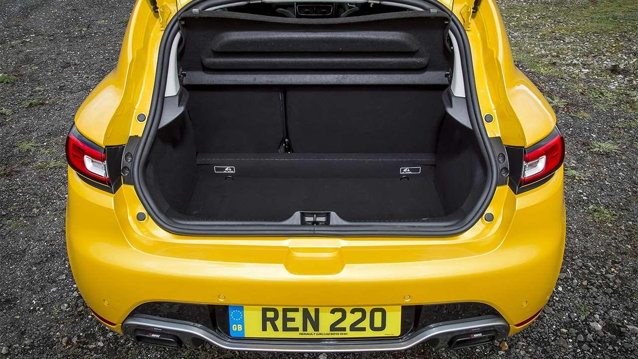 Фото багажника Renault Clio RS
