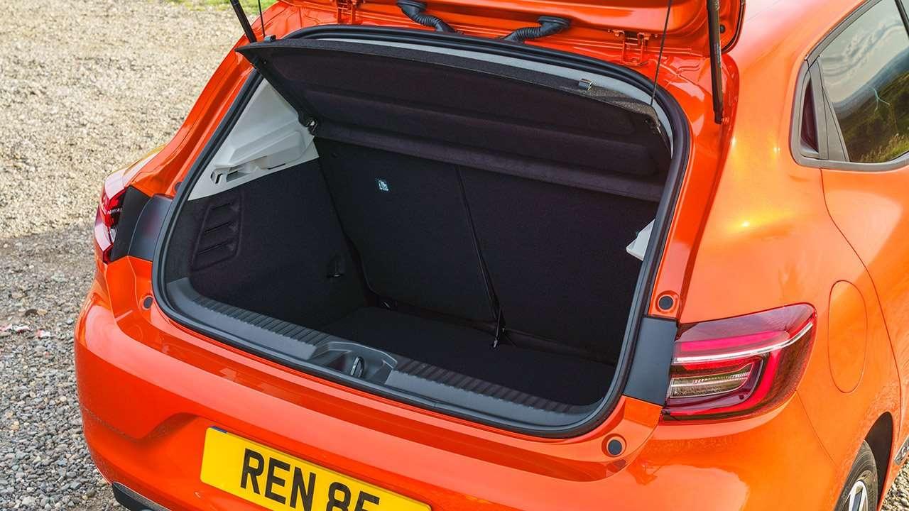 Фото багажника Renault Clio