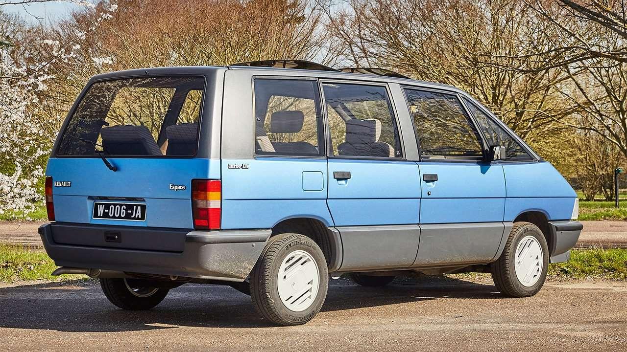 Задняя часть минивэна Renault Espace I