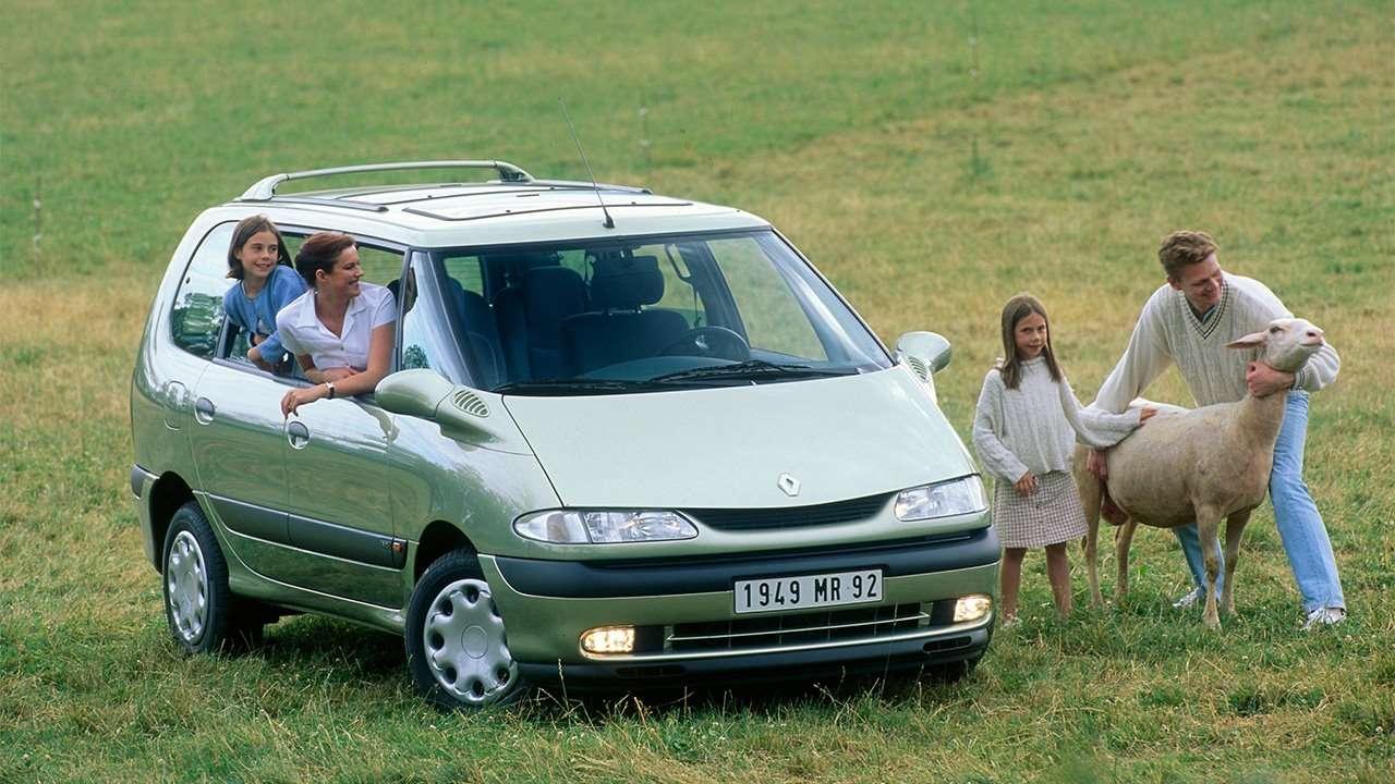 Зеленый минивэн Renault Espace 3