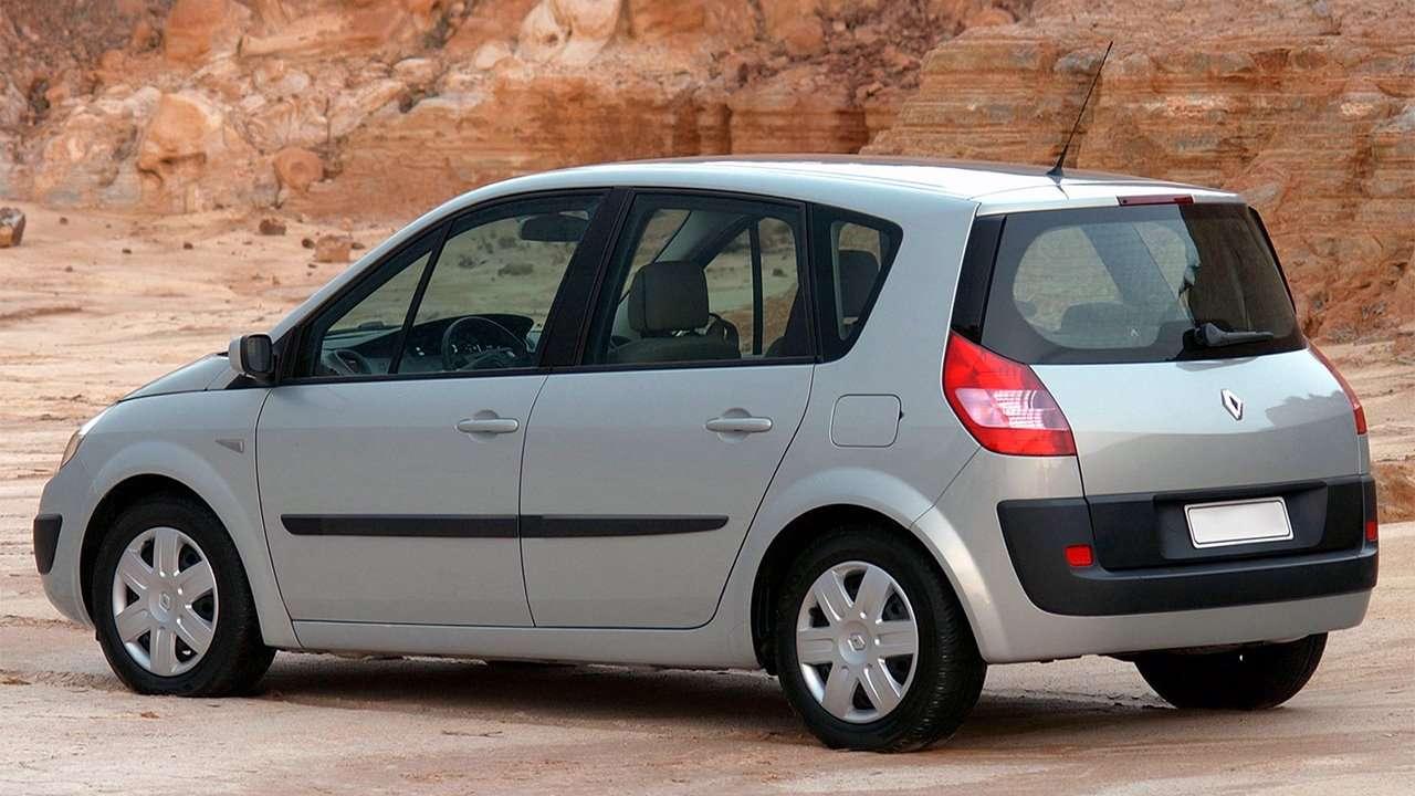 Renault Scenic 2003-2009 фото сзади