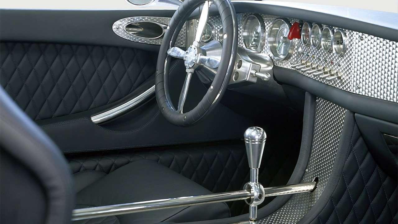 Интерьер прототипа Spyker C8