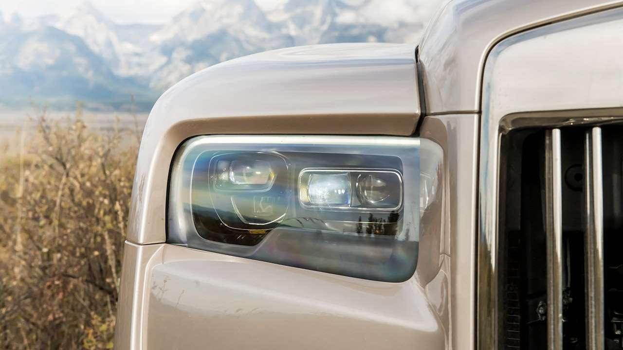 Головная оптика Rolls-Royce Cullinan