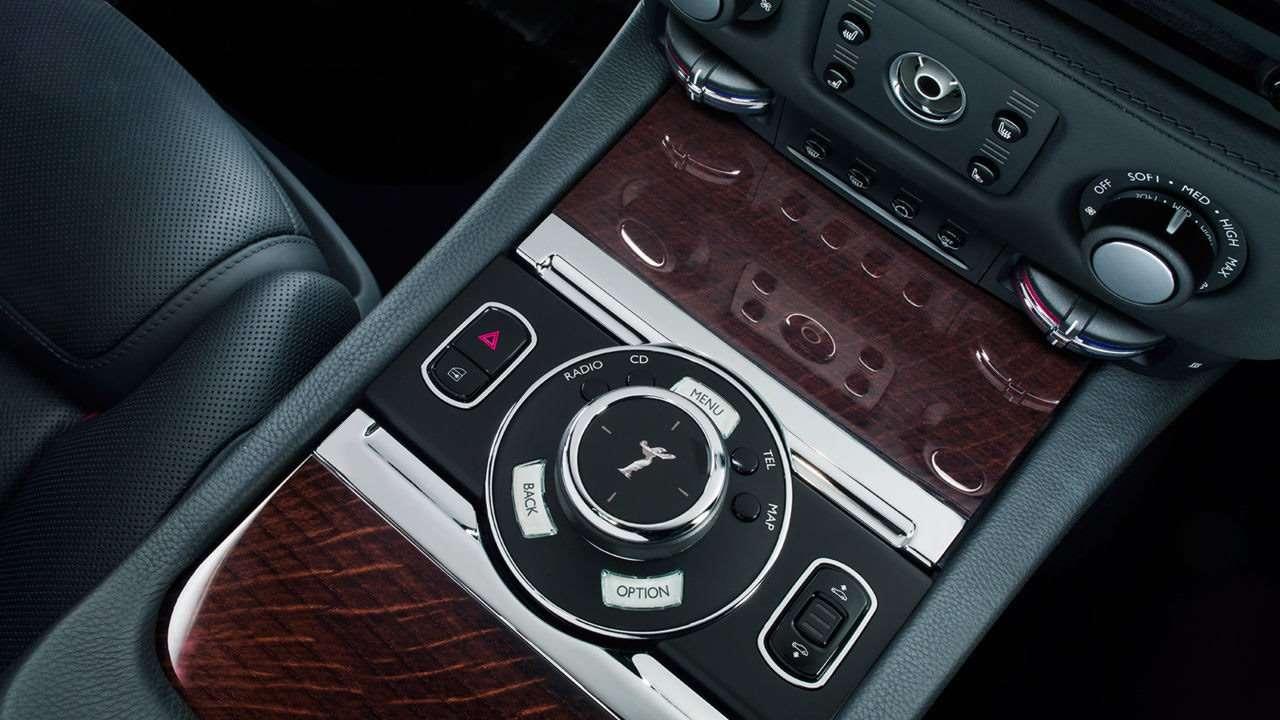 Rolls-Royce Ghost фото интерьера
