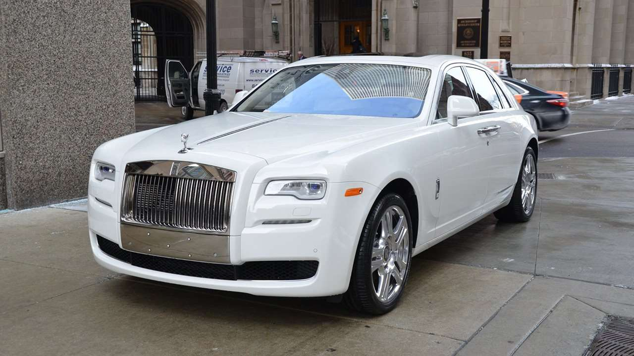 Rolls-Royce Ghost 2019-2020 фото спереди